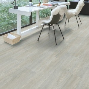 Quick-Step Luxury Vinyl (LVT) Livyn Bal Click Classic Silk Light Oak 2.105m2 - BACL40052