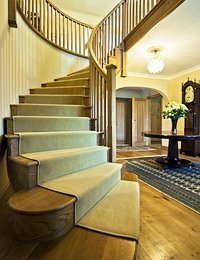 Curved oak staircase, case study no. 2