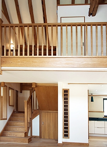 Oak staircase in imposing barn conversion