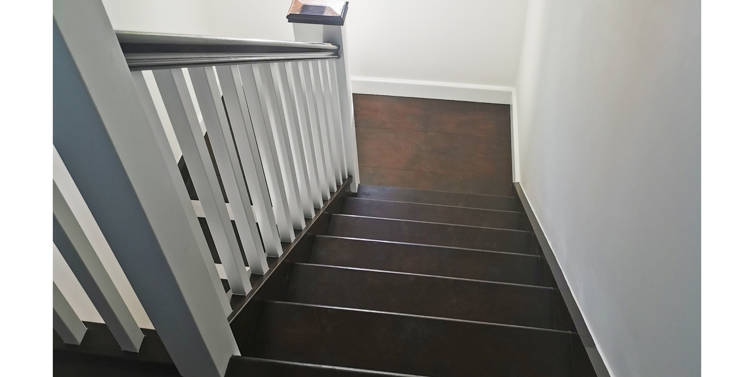 down staircase, black and white staircase, pear stairs, staircase design uk