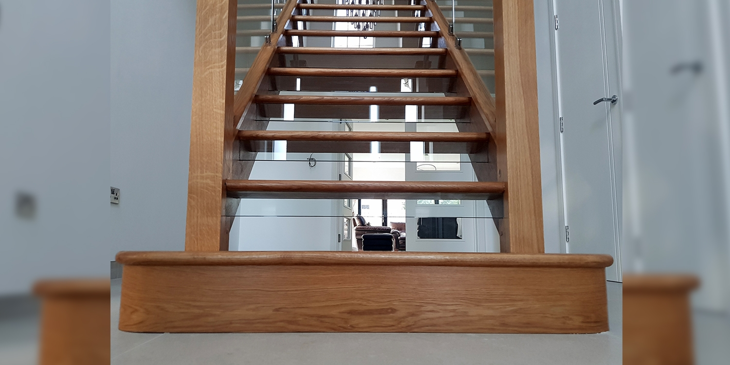 feature end step, staircase step, oak staircase, pear stairs, uk staircase