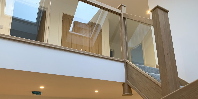 oak and glass balustrade, oak and glass handrail