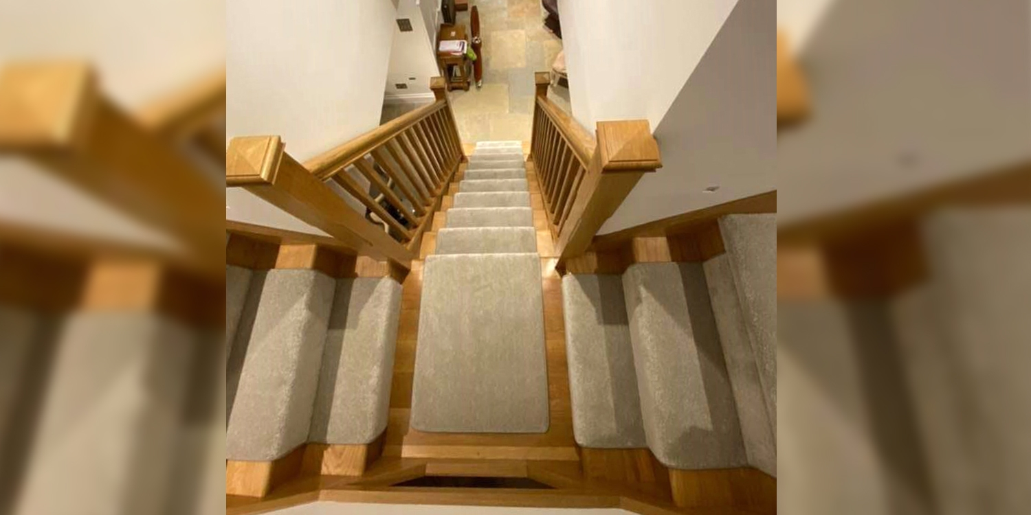 tshaped staircase, oak staircase, feature end step, pear stairs
