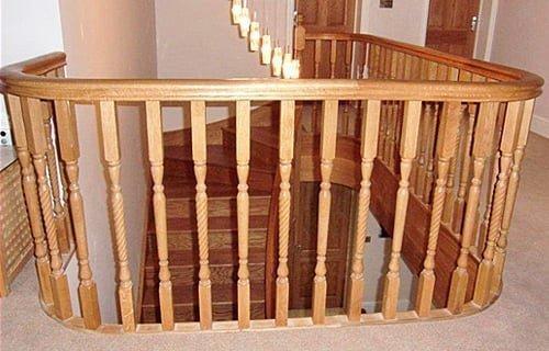Landing banister rails