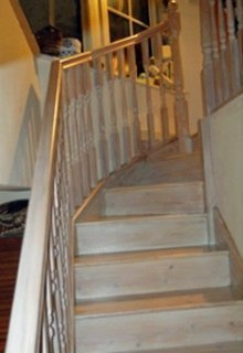 Z-shaped staircase by Pear Stairs